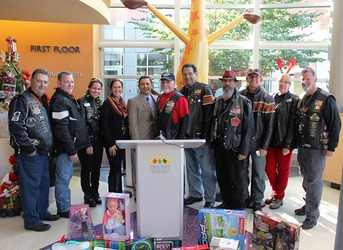huge selection of 4bf86 8015e Over 600 Motorcyclists Deliver Toys to The Bristol-Myers ...